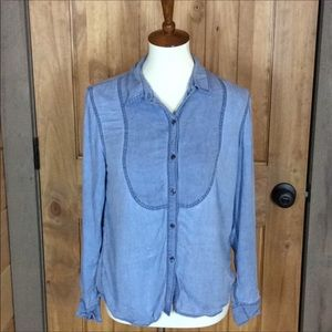 Two by Vince Camuto chambray shirt Size small